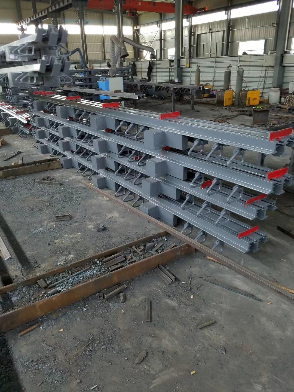 河南开封刘经理桥梁d160型模数式伸缩缝78米发货2